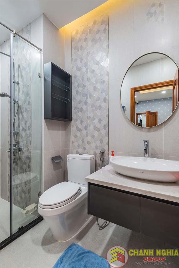 Nhà vệ sinh dành cho nhà phố hiện đại